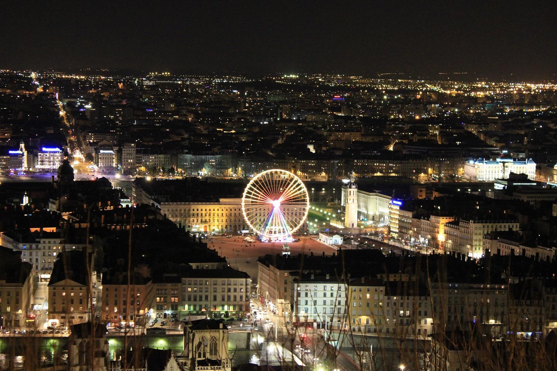 Dépannage de nuit d'un artisan serrurier sur Lyon
