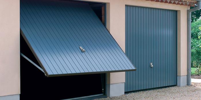Porte de garage à Lyon installé par nos soins
